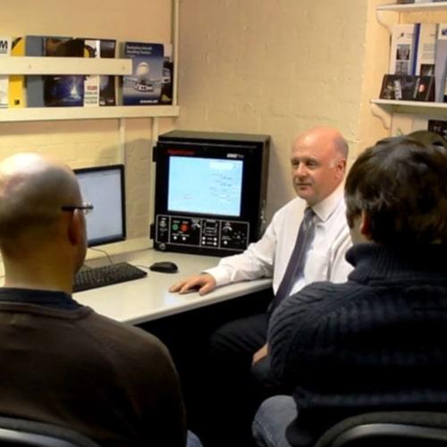 Formation au logiciel de coupeur de gaz CNC chez Esprit Automation à Nottingham