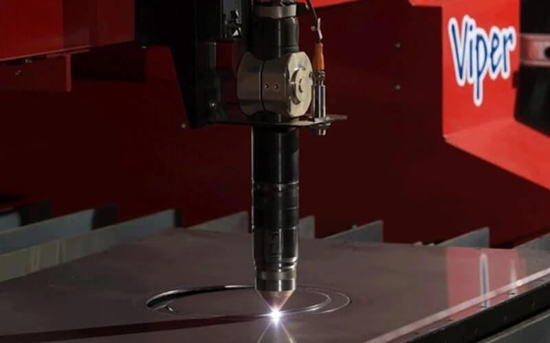 La combinaison d'une machine de découpe au plasma d'Esprit Automation avec le progiciel Procut