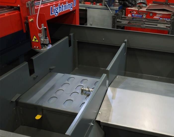 Lightning D - table de decoupe compacte d'Esprit Automation vu gros plan