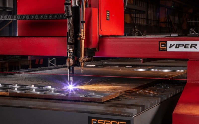 Plasma cutting stainless steel with a Lightning HD plasma cutter